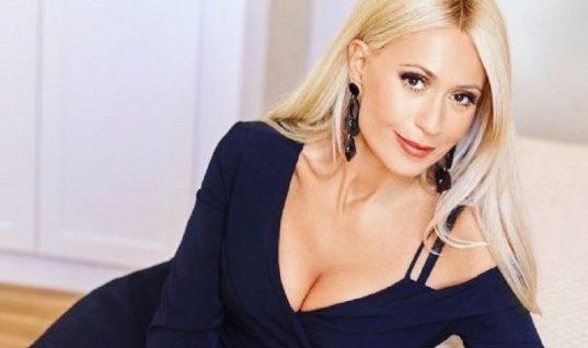 Μαρία Μπακοδήμου: Και οι δύο γιοι της πήγαν φαντάροι! (εικόνα)