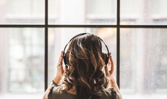 Οι επιστήμονες βρήκαν το τραγούδι που μειώνει τα επίπεδα άγχους όσο ένα ηρεμιστικό