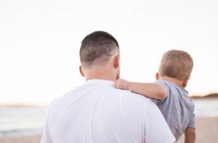 Πατέρας πήρε την επιμέλεια του γιου του – Η μητέρα πρέπει να δίνει διατροφή