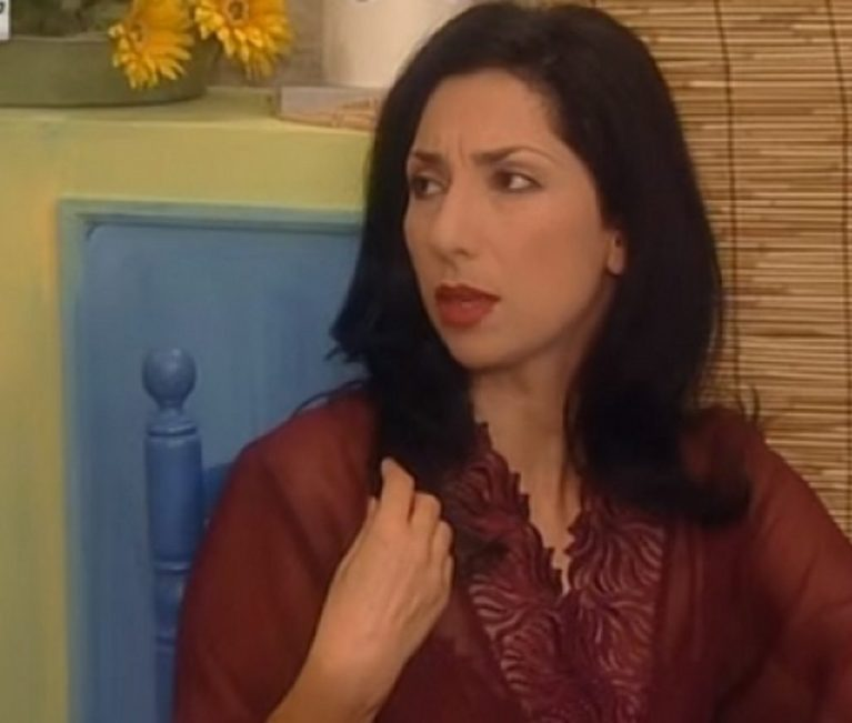 Κερασία Σαμαρά: Δες πως είναι σήμερα η τηλεοπτική σύζυγος του Χάρη Ρώμα στο «Καφέ της Χαράς»