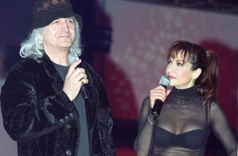 Ο Νίκος Καρβέλας ερωτεύτηκε ξανά και η νέα του σύντροφος είναι ίδια η Άννα Βίσση του 1990