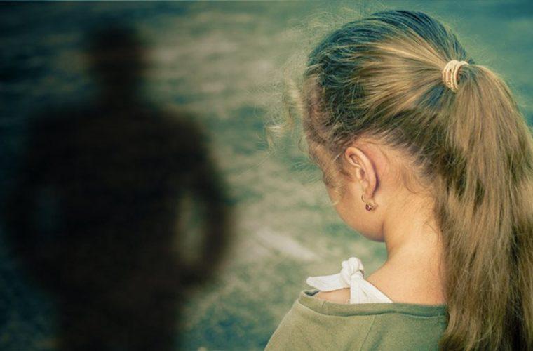 Σοκ για την υπόθεση παιδεραστίας στη Μάνη: Εκτός από τον ιερέα και δεύτερος ασελγούσε στη 12χρονη