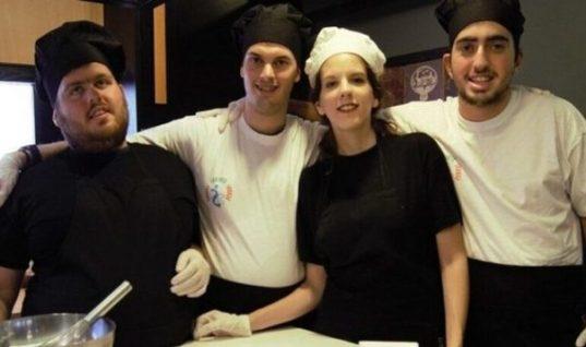 Δεν τους προσλάμβανε κανείς: 4 νέοι Έλληνες με αυτισμό άνοιξαν τη δική τους επιχείρηση στην Αθήνα
