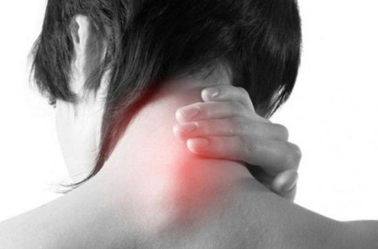 «Αυχενικό» σύνδρομο: Ποια συμπτώματα πρέπει να σε ανησυχήσουν