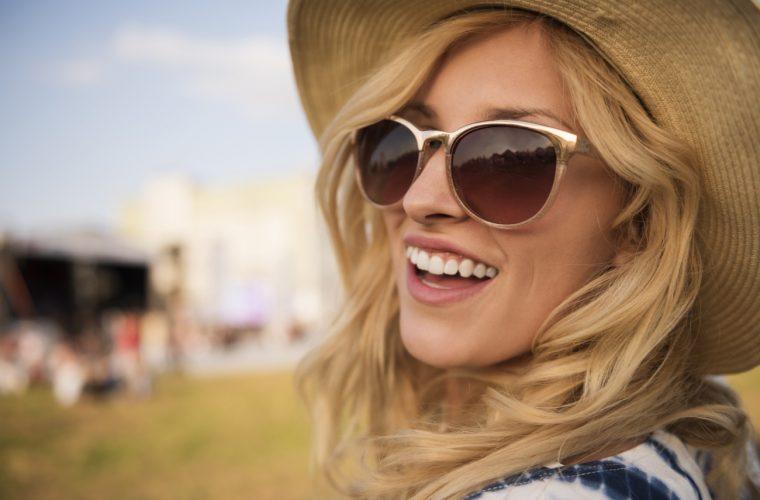 7 συνήθειες που δεν σας έχει περάσει ποτέ από το μυαλό ότι προκαλούν ρυτίδες