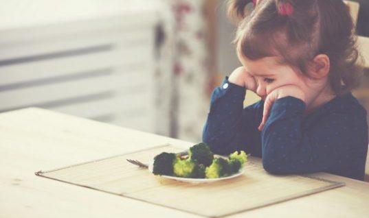 5 τρόποι για να τρώνε τα παιδιά ό,τι τους σερβίρεις