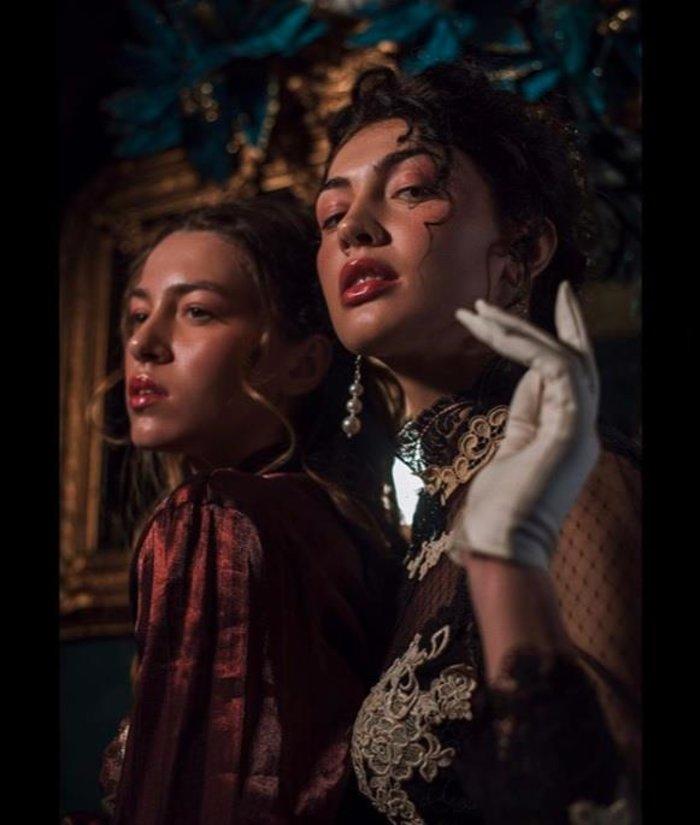 Kέισι Μίζιου -Εβελίνα Σκίτσκο: Κοινή φωτογράφιση για τις φιναλίστ των GNTM σε ένα εντυπωσιακό concept! (εικόνες)