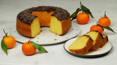 Αφράτο και πανεύκολο κέικ μανταρινιού χωρίς βούτυρο