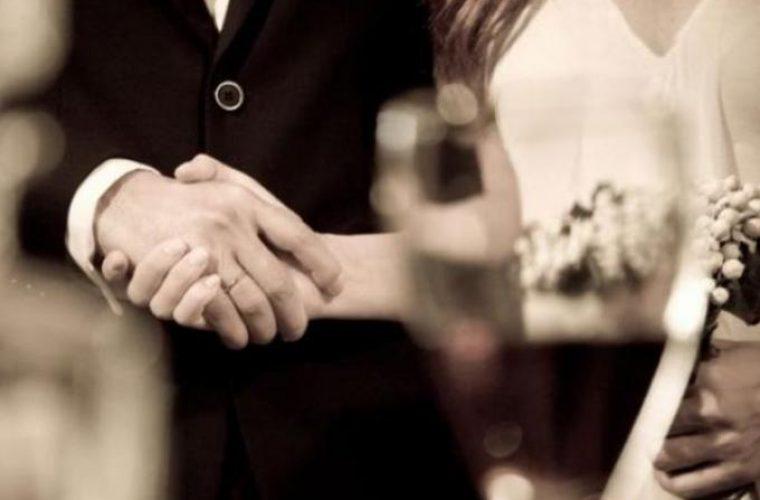 Φθιώτιδα: Παντρεύτηκε πεθαμένο με τις «ευλογίες» του ιερέα