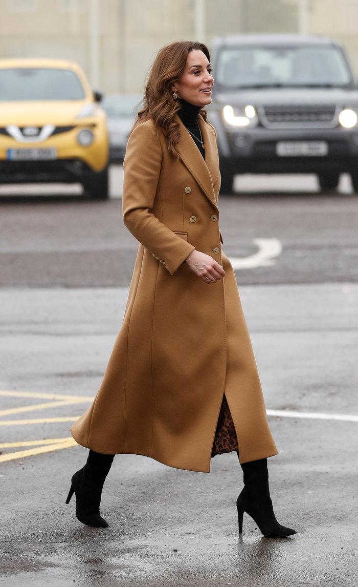Κέιτ Μίντλετον: Νέα εντυπωσιακή και οικονομική εμφάνιση με φούστα Zara των 10 ευρώ! (εικόνες)