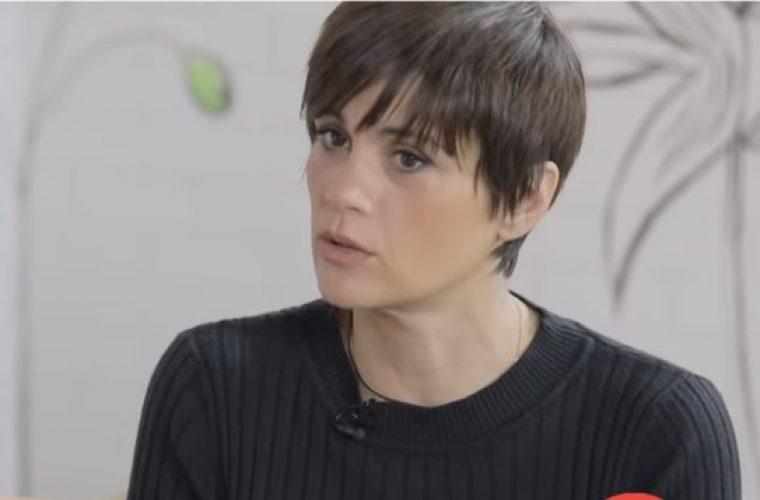 Άννα Μαρία Παπαχαραλάμπους: «Είμαι 45 χρονών.Την ηλικία μας πρέπει να τη λέμε και να την σεβόμαστε»
