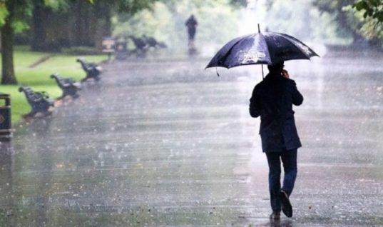 Αλλάζει ο καιρός: Βροχές, καταιγίδες και ισχυροί άνεμοι την Πέμπτη