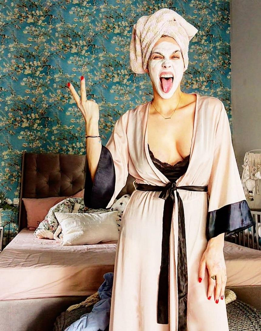 Μαντώ Γαστεράτου: Το υπνοδωμάτιό της είναι εντυπωσιακό και σου θυμίζει άνοιξη! (εικόνα)