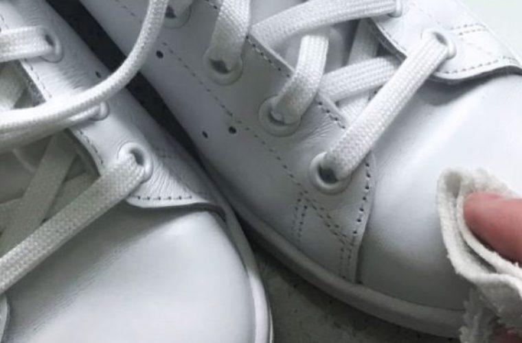 Έτσι θα ξανακάνεις λευκά τα βρόμικα sneakers σου!