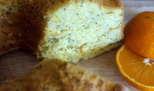 Λαχταριστό κέικ πορτοκαλιού με παπαρουνόσπορο