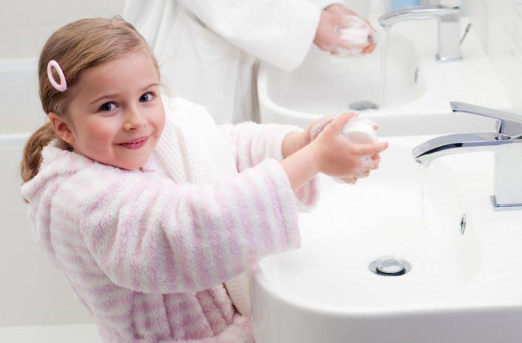 Δασκάλα βρήκε τον τρόπο να κάνει τους μαθητές της να πλένουν πάντα τα χέρια τους! Δείτε τον
