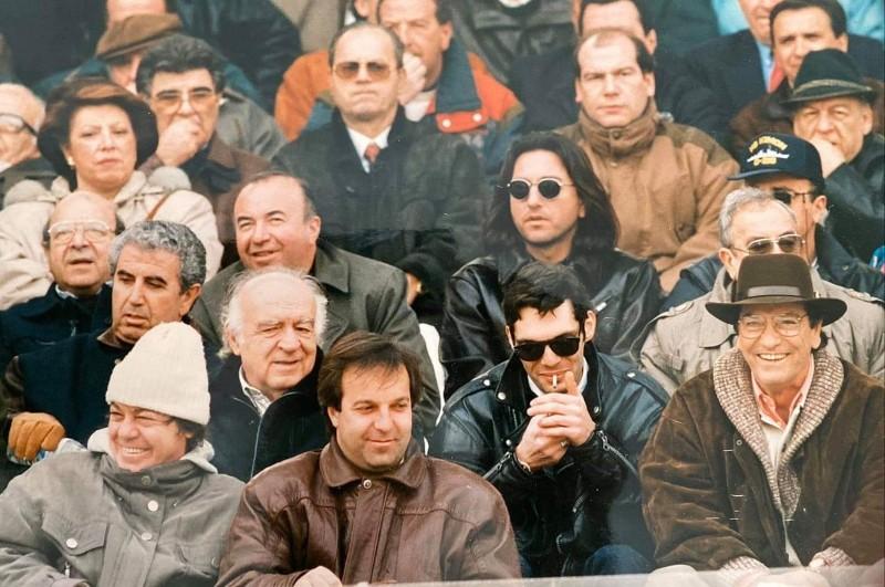 Είκοσι χρόνια πριν: Νίκος και Αλκης Κούρκουλος μαζί σε μία φωτογραφία αρχείου!