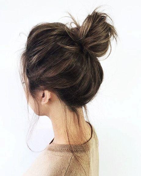 Με αυτό το χτένισμα θα κρύψεις τη λιπαρότητα στα μαλλιά σου!
