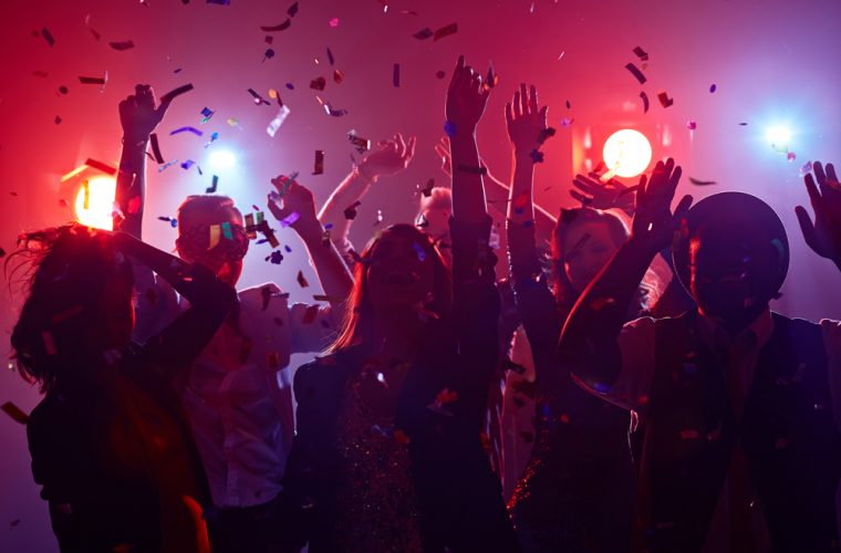 Κόρη γνωστής τραγουδίστριας η φοιτήτρια που βγήκε θετική στον κορωνοϊό και φέρεται να έσπασε την καραντίνα διοργανώνοντας πάρτι στη Θεσσαλονίκη