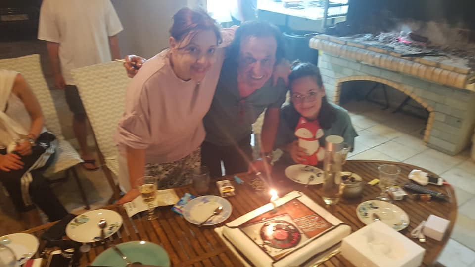 Βασίλης Παπακωνσταντίνου: Η υπέροχη τούρτα γενεθλίων και το πάρτι από τη Ράντου (εικόνες)