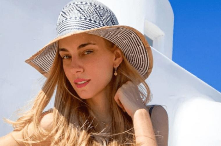 Αυτό το στιλ μαγιό φοριέται φέτος στις παραλίες! Το «τιμά» και η Δούκισσα Νομικού (εικόνες)