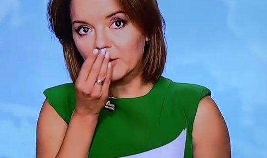 Viral: Παρουσιάστρια έχασε το δόντι της την ώρα που έλεγε τις ειδήσεις! (vid)