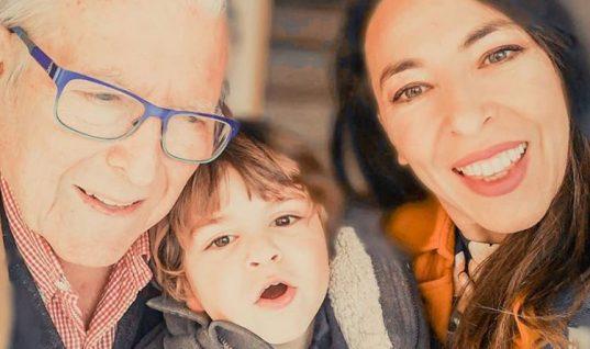 Συγκλονιστική στιγμή με τον μικρό Φοίβο να μιλά στην κάμερα για τον Βουτσά: «Τον θυμάμαι τον μπαμπά»