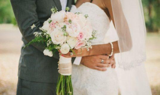 Ορεινή Αχαΐα: Παντρεύτηκαν με αστυνομική επιτήρηση γιατί πλακώθηκαν τα σόγια πριν τον γάμο!