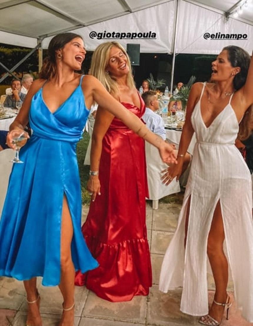 Χριστίνα Μπόμπα: Με υπέροχο σατέν φόρεμα σε βάφτιση στη Λαμία! (εικόνες)