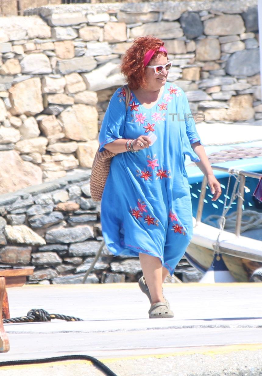 Ελένη Κοκκίδου: Στα Κουφονήσια με άκρως καλοκαιρινή εμφάνιση η «Βουλα»! (εικόνες)