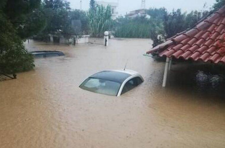 Εύβοια: Δύο νεκροί από τις πλημμύρες- Συνεχίζονται οι επιχειρήσεις απεγκλωβισμού