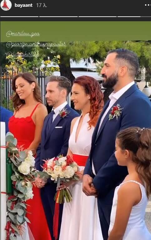 H Μπάγια Αντωνοπούλου έγινε κουμπάρα με υπέροχο κατακόκκινο φόρεμα που είχε ράψει η μαμά της! (εικόνες)