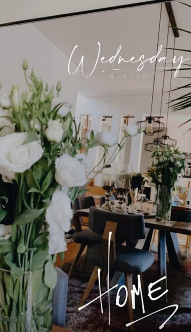 Wow: Η Αθηνά Οικονομάκου φωτογραφίζει την υπέροχη τραπεζαρία του σπιτιού της! (εικόνα)