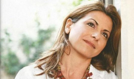 Η Μάγια Τσόκλη μιλά για τον γάμο του πατέρα της με τη θεία της σε μια τρυφερή εξομολόγηση
