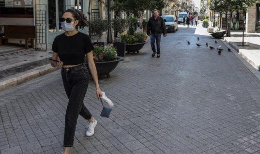Κορωνοϊός: Έκτακτα μέτρα σε Αχαΐα και Ιωάννινα- Υποχρεωτική χρήση μάσκας παντού