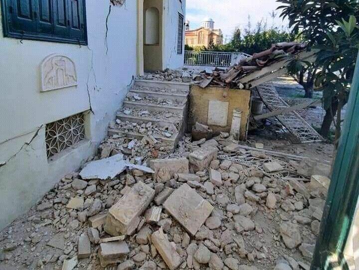 Η στιγμή που η θάλασσα βγαίνει στη στεριά από τον σεισμό 6,7 Ρίχτερ στη Σάμο: Μήνυμα από το 112 προειδοποιεί για τσουνάμι