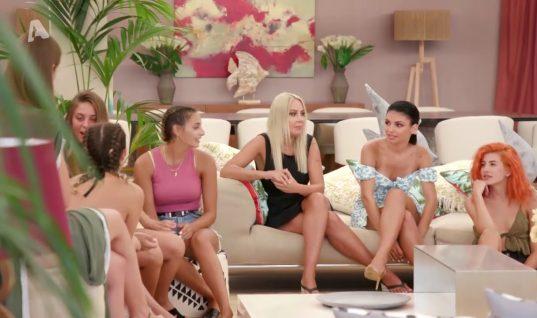 «Bachelor»: Η ξαφνική αποχώρηση από το σπίτι που άφησε άφωνες τις υπόλοιπες κοπέλες