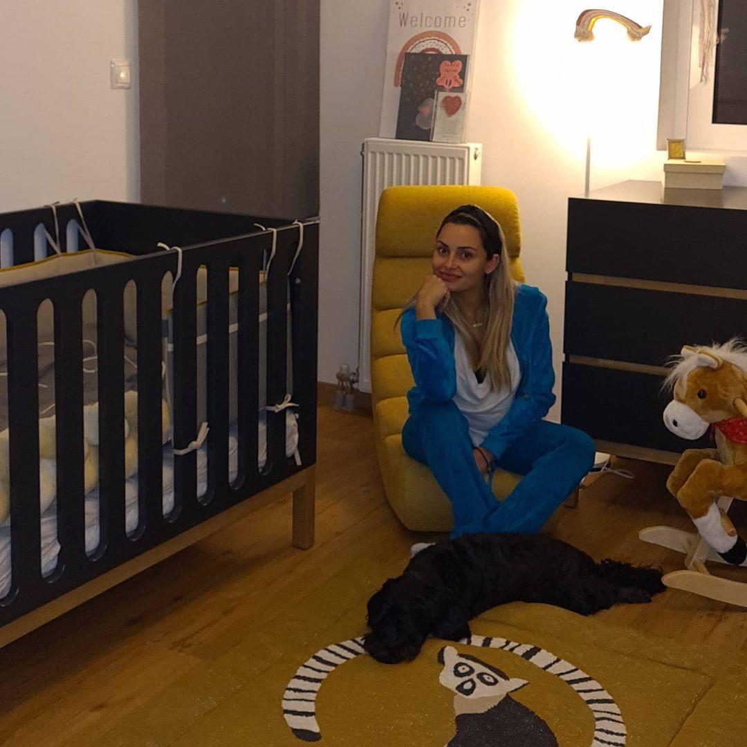 Βασιλική Μιλλούση: Φωτογραφίζεται στο παιδικό δωμάτιο και μας το δείχνει! (εικόνα)