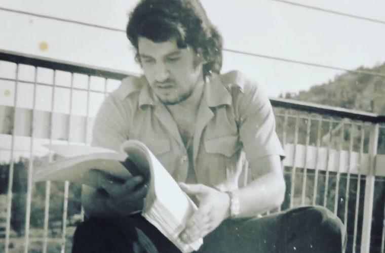 Είναι πασίγνωστος Έλληνας ηθοποιός- Τον αναγνωρίζεται