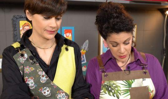 Πανεύκολη συνταγή για τάρτα μήλου από την Άννα Μαρία Παπαχαραλάμπους και την αδερφή της!