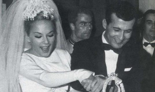 Βουγιουκλάκη – Παπαμιχαήλ: Αυτές είναι οιμπομπονιέρες του γάμου τουςπριν 56 χρόνια! (εικόνα)
