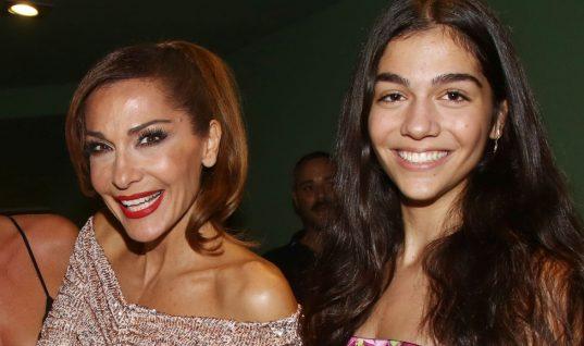 Δέσποινα Βανδή: Η κόρη της έγινε 17! Η εντυπωσιακή τούρτα και οι αδημοσίευτες φωτογραφίες! (εικόνες)
