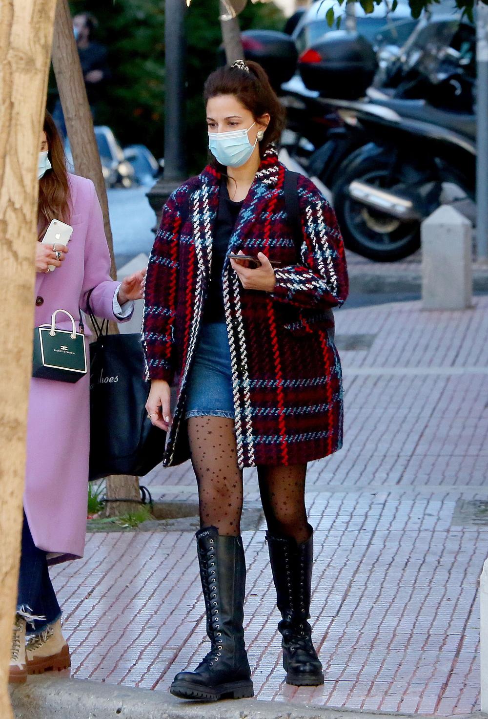 Η Κατερίνα Παπουτσάκη σε μία διαφορετική χειμωνιάτικη εμφάνιση που μπορείς να αντιγράψεις! (εικόνες)