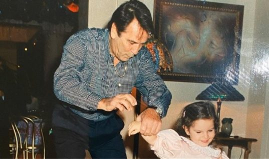 Η συγκλονιστική εξομολόγηση της Εριέττας Κούρκουλου για το θάνατο του πατέρα της σε τρυφερή ηλικία