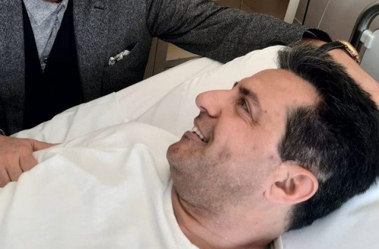 Ο Κωνσταντίνος Αγγελίδης επέστρεψε σπίτι του: Η φωτογραφία στον καναπέ και το σήμα της νίκης! (εικόνα)