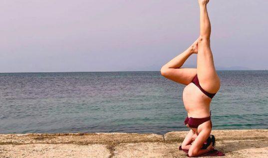 Απίστευτο: Η σύζυγος Έλληνα ηθοποιού κάνει κατακόρυφο στον 9ο μήνα της εγκυμοσύνης της! (εικόνα)