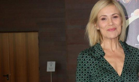 Εντυπωσιακή αλλαγή για την Κωνσταντίνα Μιχαήλ: Έκοψε τα μαλλιά της πολύ κοντά! (εικόνα)
