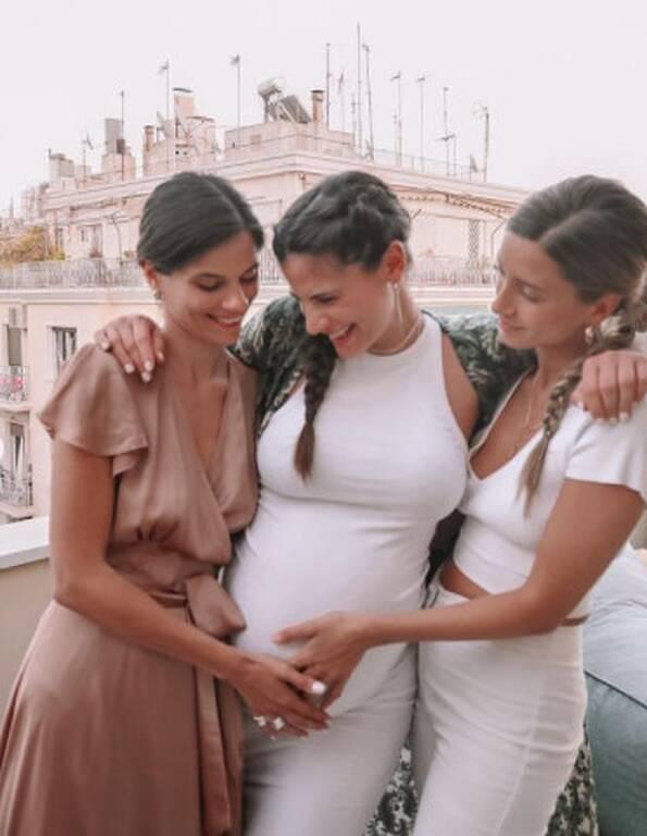 Χριστίνα Μπόμπα: Της ετοίμασαν baby shower λίγο πριν γεννήσει! Όμορφες εικόνες