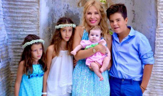 Ελένη Μενεγάκη: Η Γιορτή της Μητέρας μέσα από πέντε δικές της αδημοσίευτες στιγμές! (εικόνες)