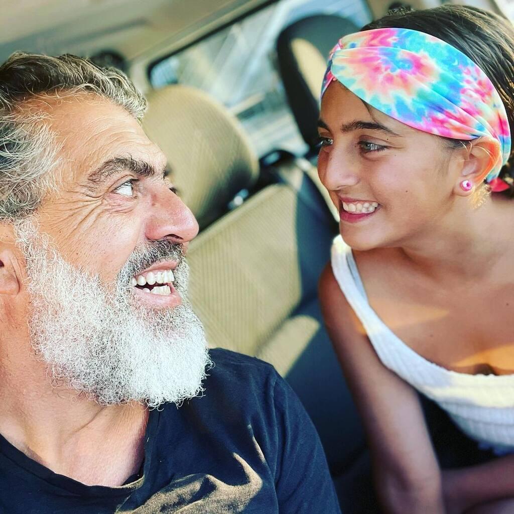 Κούλλης Νικολάου: Η εκπληκτική ομοιότητα με την κόρη του! (εικόνες)